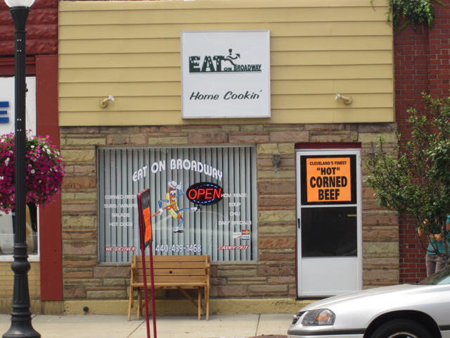 http://bestcornedbeefincleveland.com/2010/06/25/Eat%20on%20Broadway.jpg